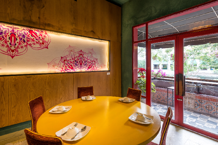 không gian quán Halal Saigon ảnh1