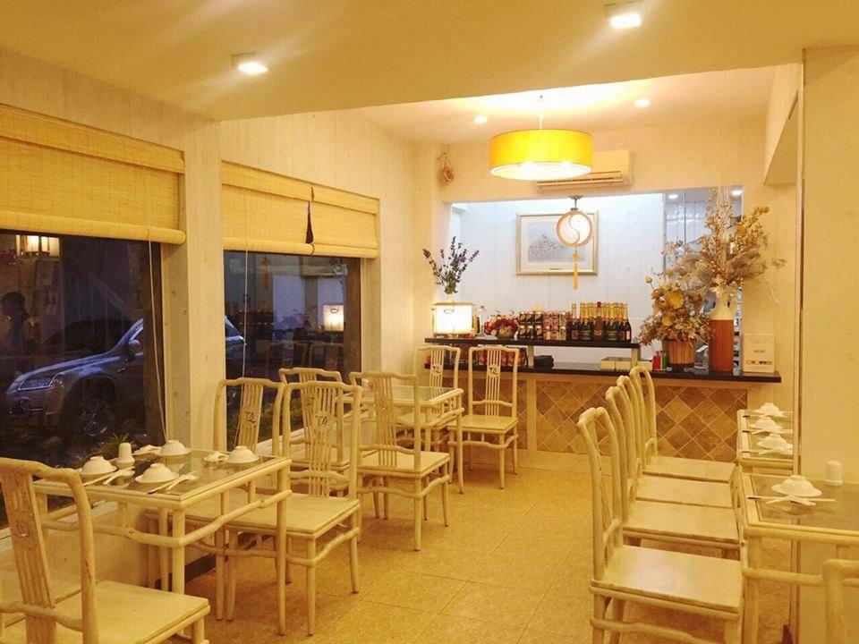 Nhà hàng Thiên Quốc Chay không gian