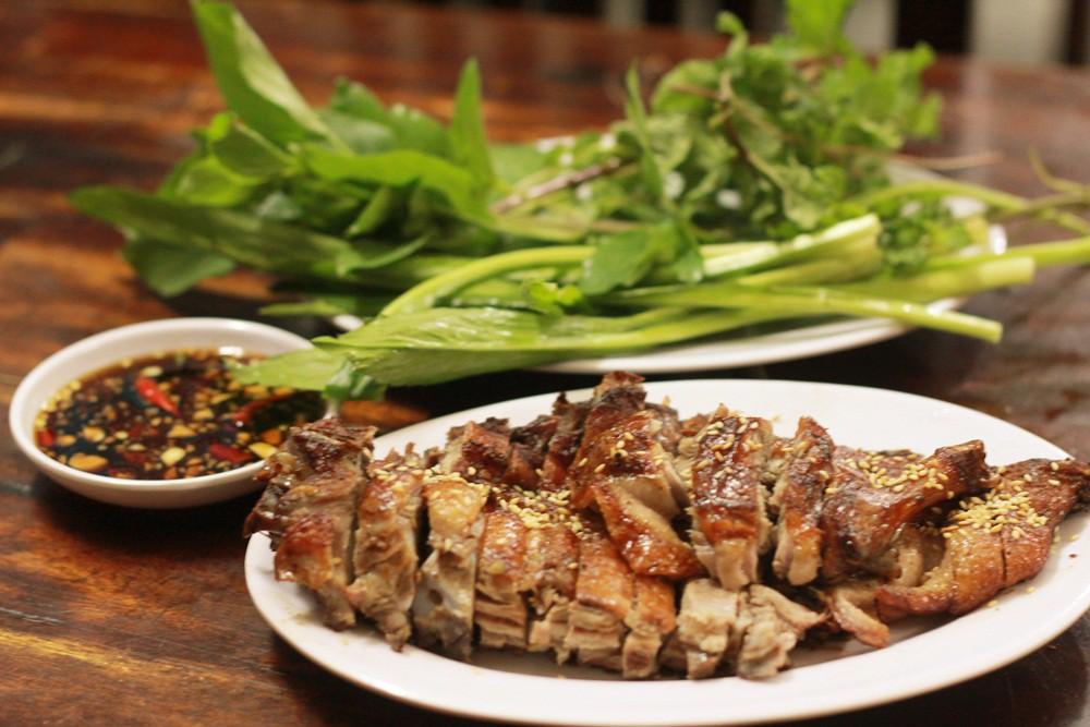 Hồ Quan Sơn ăn gì