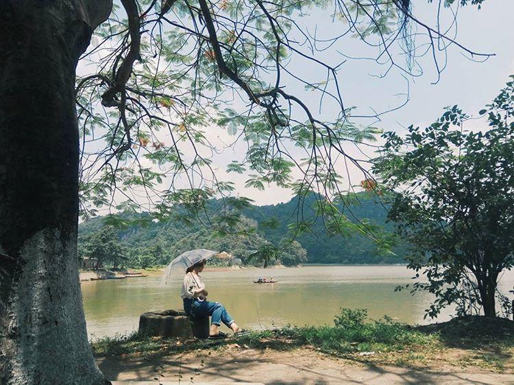 đi dạo ở Hồ Quan Sơn