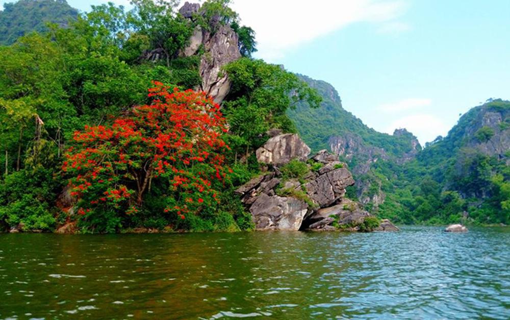 đi Hồ Quan Sơn thời gian nào
