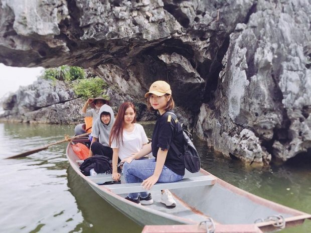 đi thuyền trên Hồ Quan Sơn
