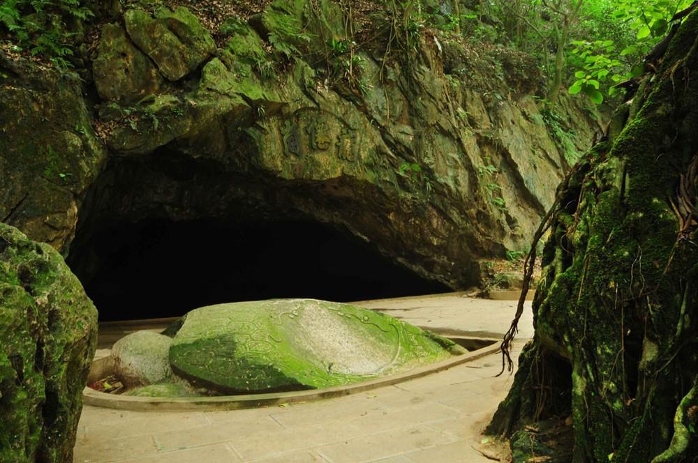 chùa hang - du lịch Núi Trầm