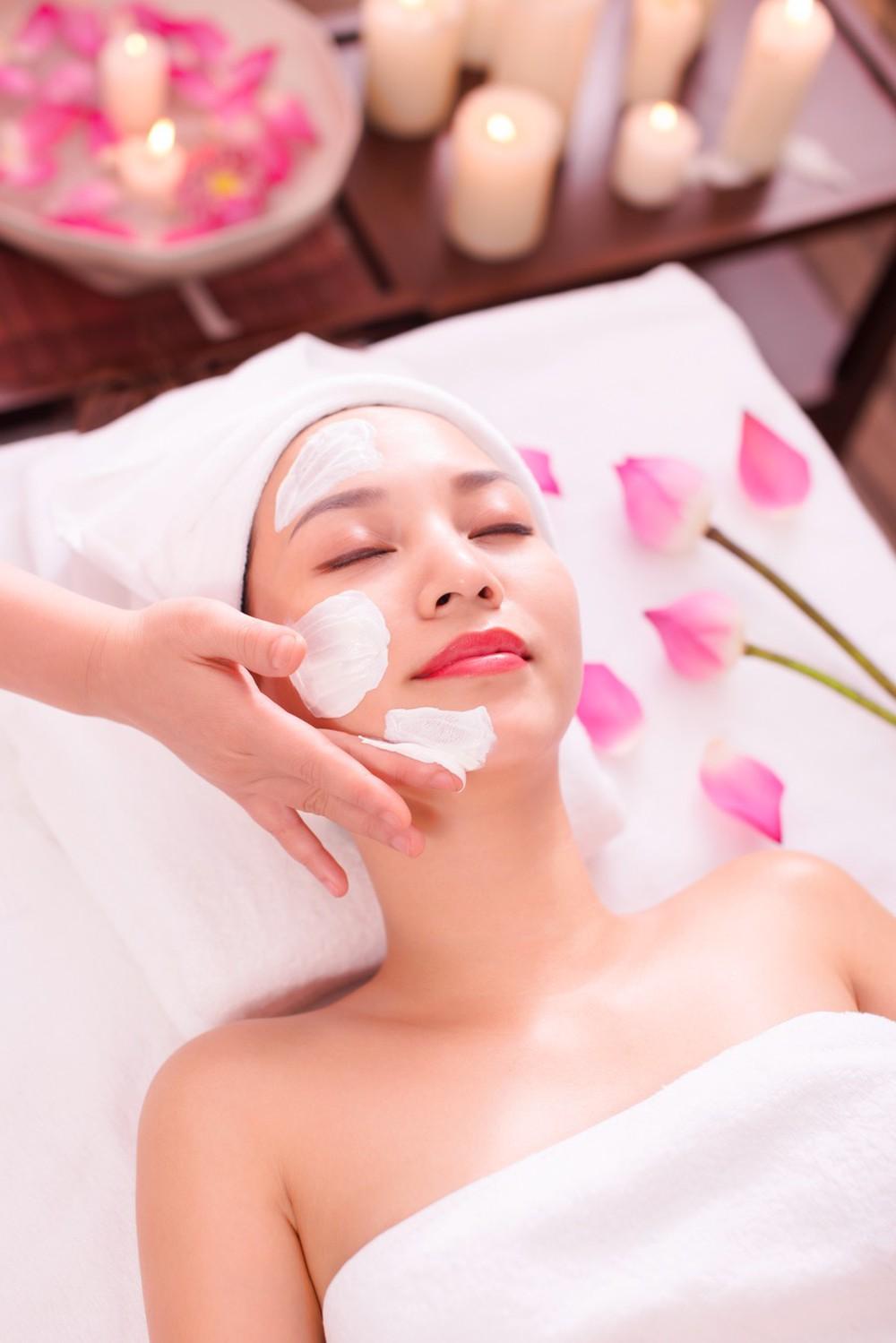 Dịch vụ massage mặt thẩm mỹ viện Busan