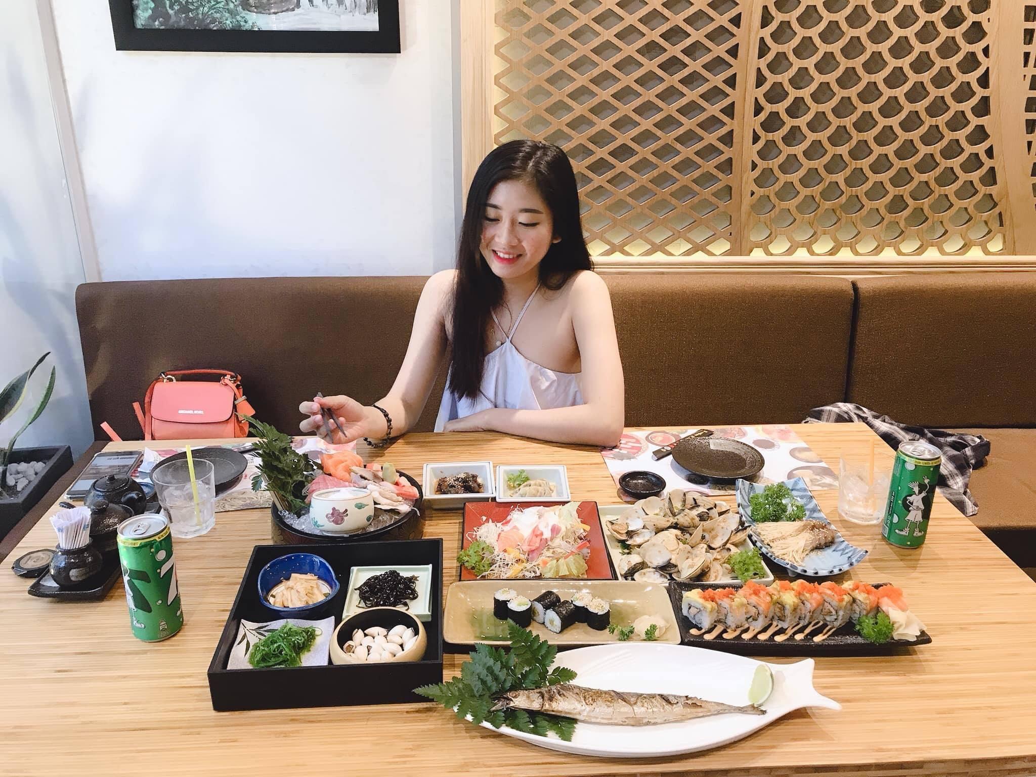 không gian quán iki sushi