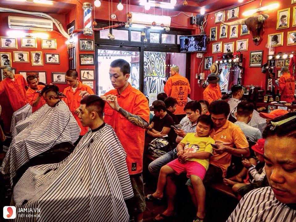 không gian Liem Barber Shop