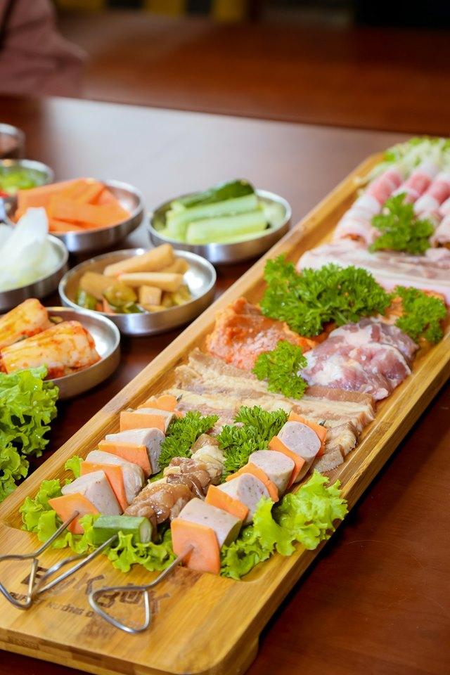 Buk Buk - Nhà hàng tổ chức họp lớp 20/11 ở Hà Nội