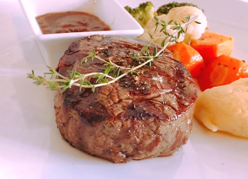 ẩm thực Nossa Steakhouse