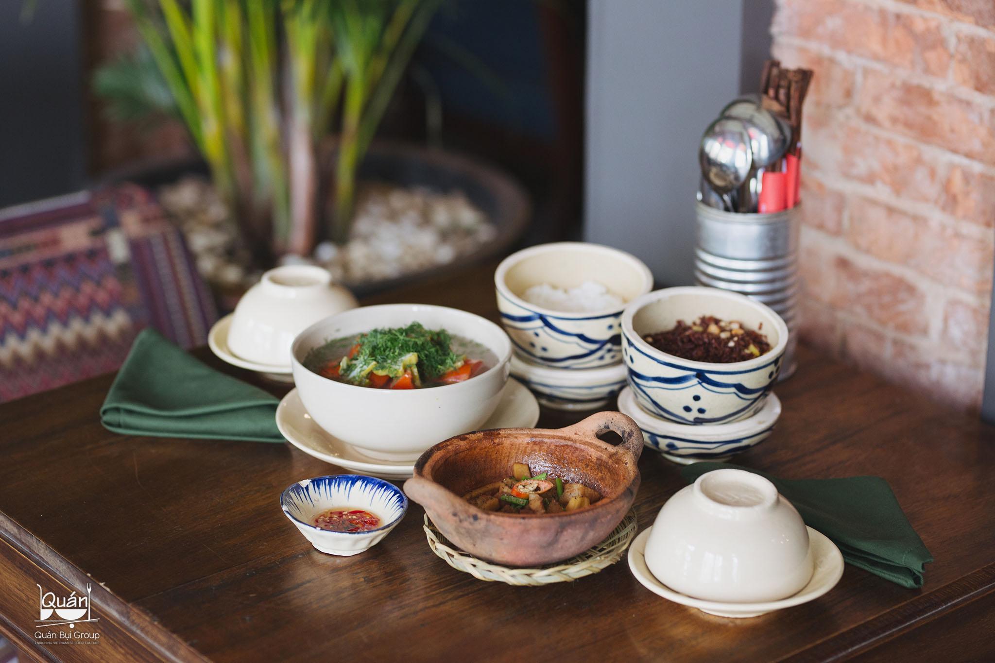 ẩm thực Quán Bụi