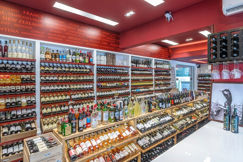 cac loai ruou Red Apron Fine Wines and Spirits - WineShop