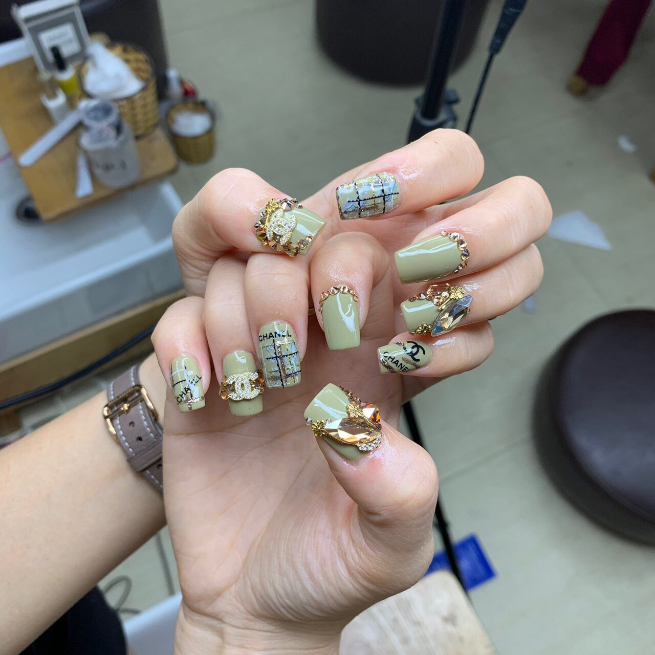 Her Beauty Nail