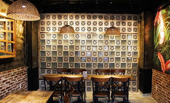 không gian Eleven Restaurant