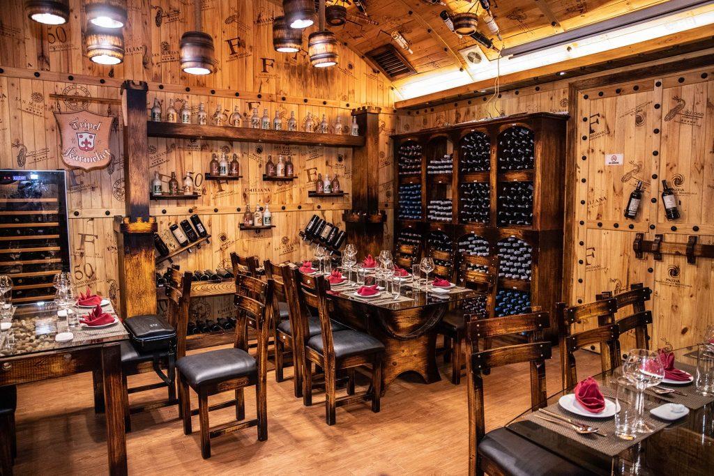 nhà hàng rượu vang Huyen Thu WineCellar & SteakHouse