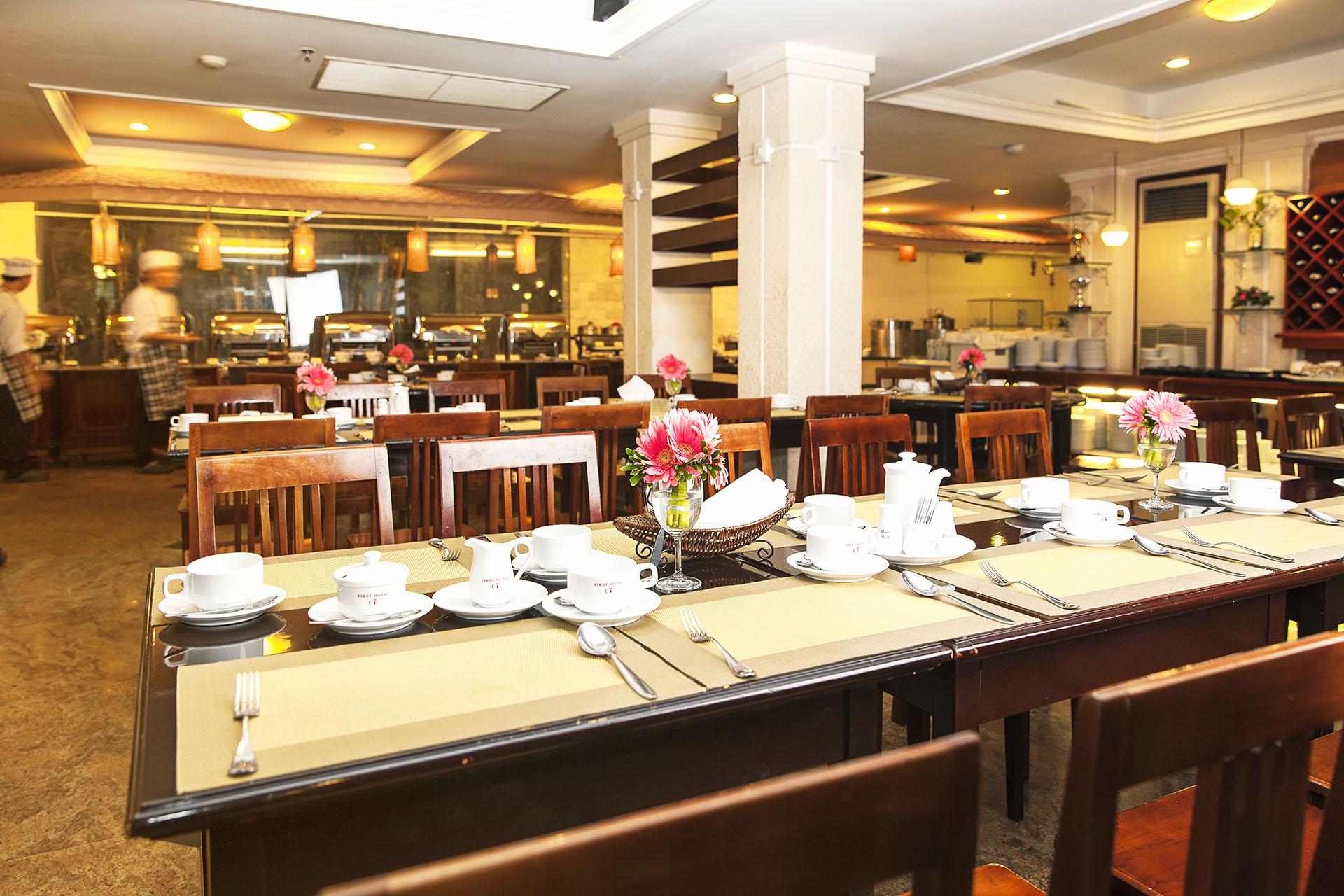 không gian Nhà hàng Buffet Đệ Nhất nhà hàng liên hoan cuối năm sài gòn