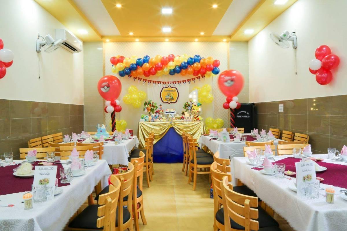không gian Nhà hàng Lẩu tôm Năm Ri