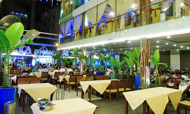 không gian Nhà hàng 63 Cao Thắng