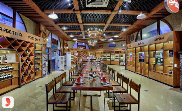 không gian nhà hàng rượu vang Vườn Bia Hà Nội