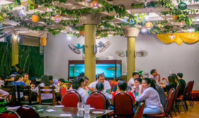 không gian Nhà hàng Cây Dừa
