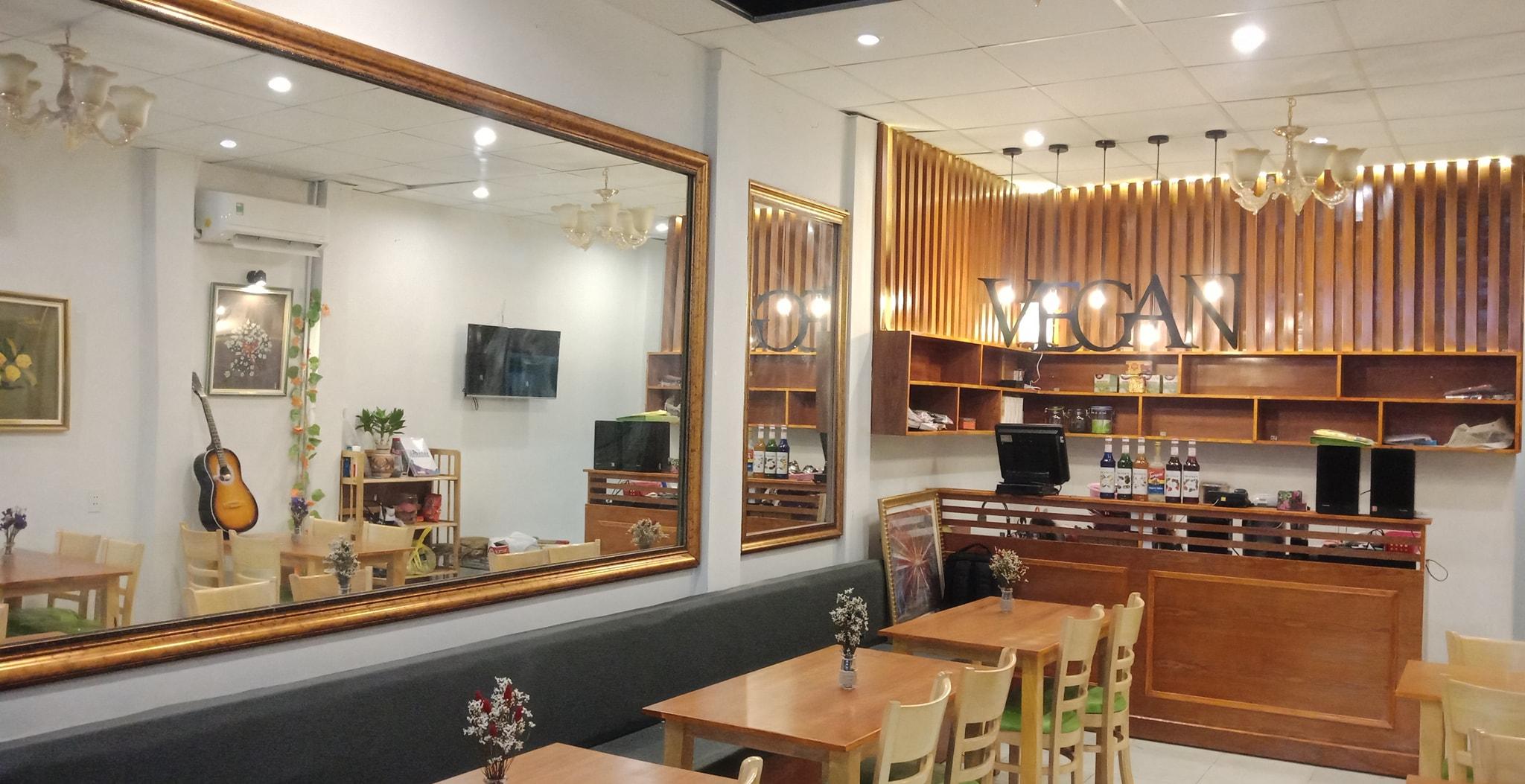 không gian nhà hàng Chay Bà Xã