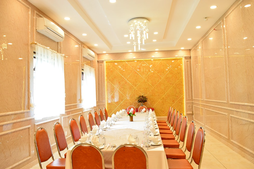 không gian nhà hàng tổ chức liên hoan công ty sài gòn