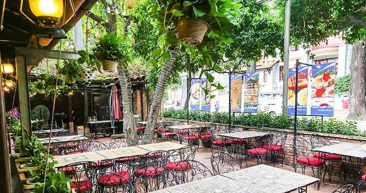 nhà hàng liên hoan cuối năm quận 3 , không gian Đồng Restaurant
