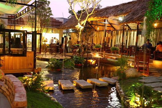 không gian Nhà hàng Hương Việt