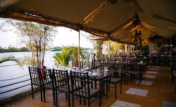 không gian Nhà hàng Sông Trăng