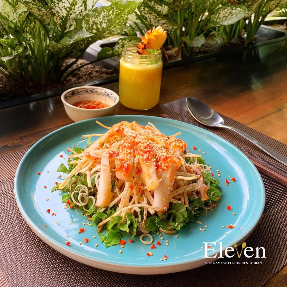 moan ăn Eleven Restaurant