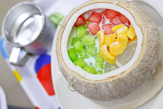 quán ăn vặt thủ dầu một  Chè củ năng trái dừa