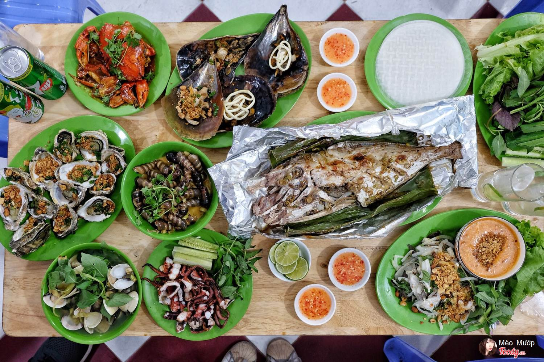 Ăn hải sản tại Nha Trang dù ở quán vỉa hè hay sang trọng ai cũng phải khen ngon