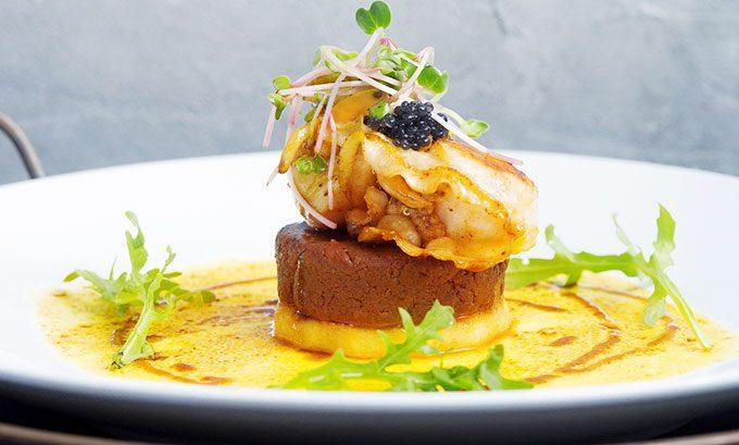 review The Log Restaurant nhà hàng liên hoan cuối năm sài gòn