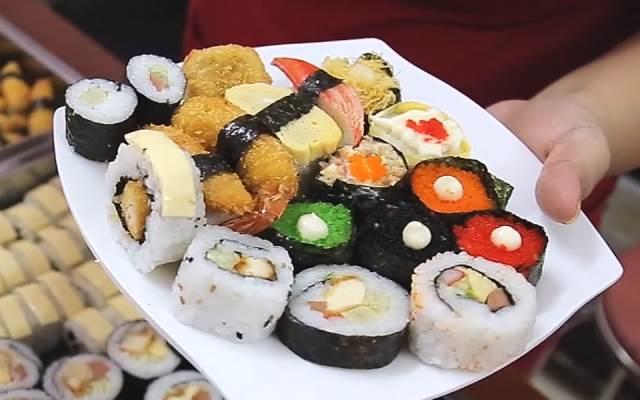 quan an khuya binh duong Sushi Viên