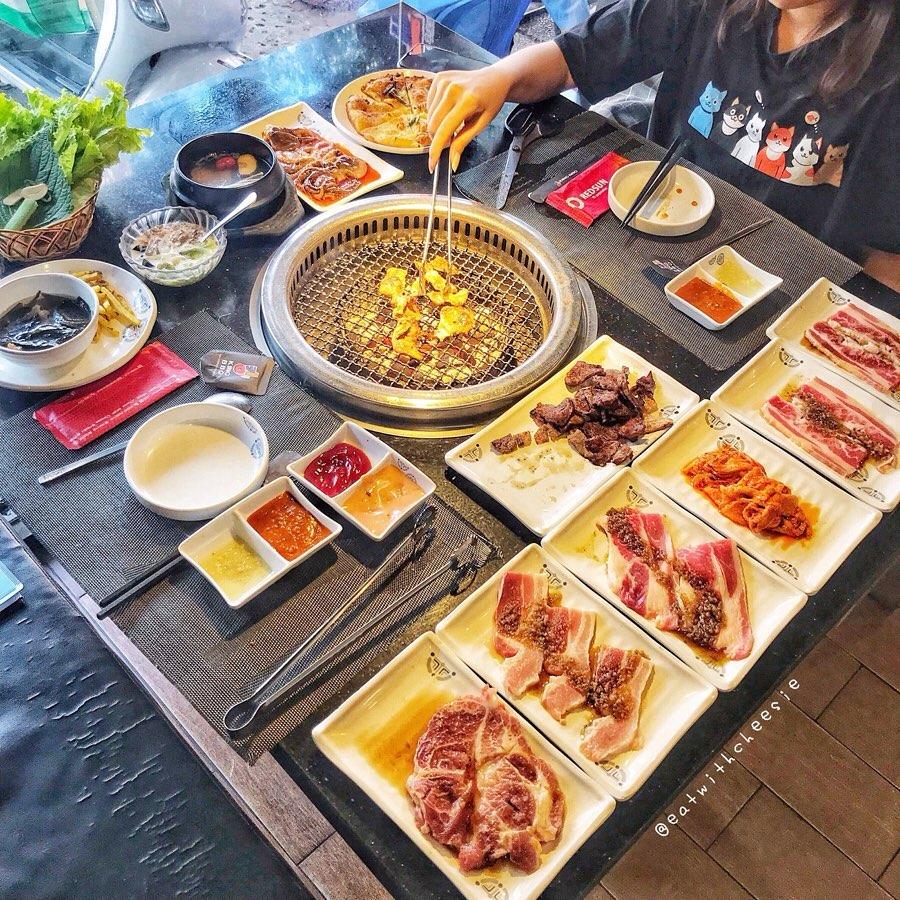 King BBQ Nhà hàng đặt tiệc 20/11 ở Hà Nội 2