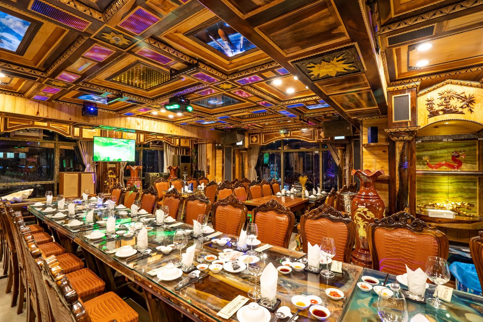 không gian Nhà hàng Hàng Dương Quán
