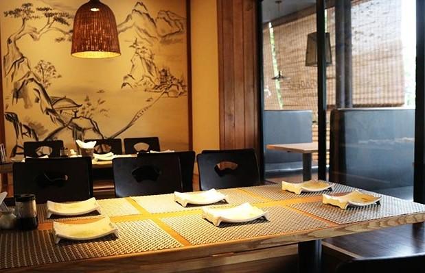 không gian Sushi Kei