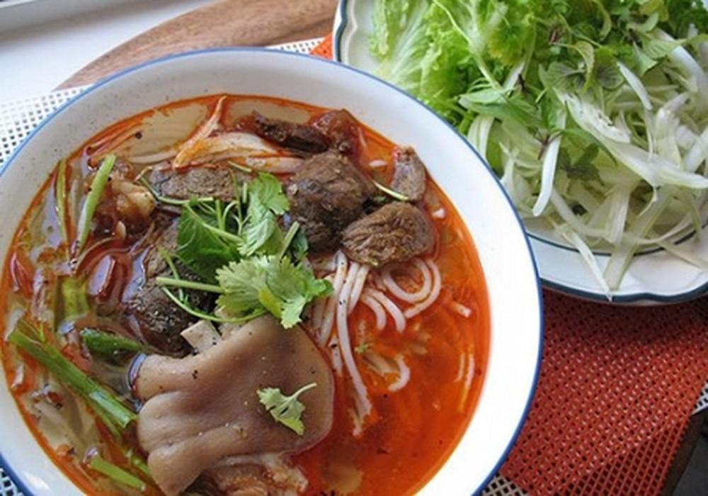 menu Bún Bò Huế Cống Quỳnh