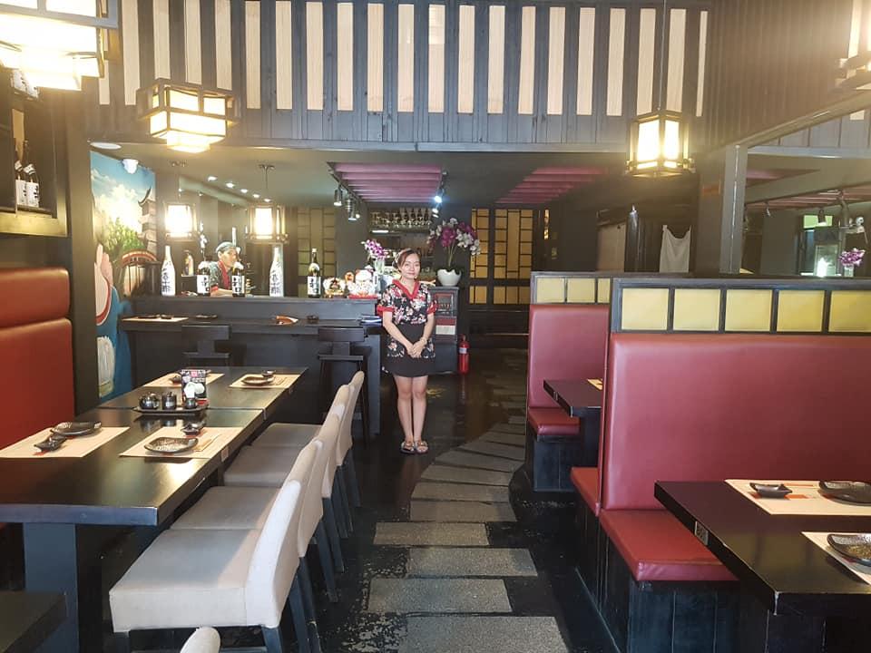 nhân viên Ngon Sushi Restaurant