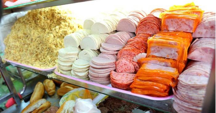 review Bánh Mỳ Huỳnh Hoa, quán ăn đặc sản sài gòn