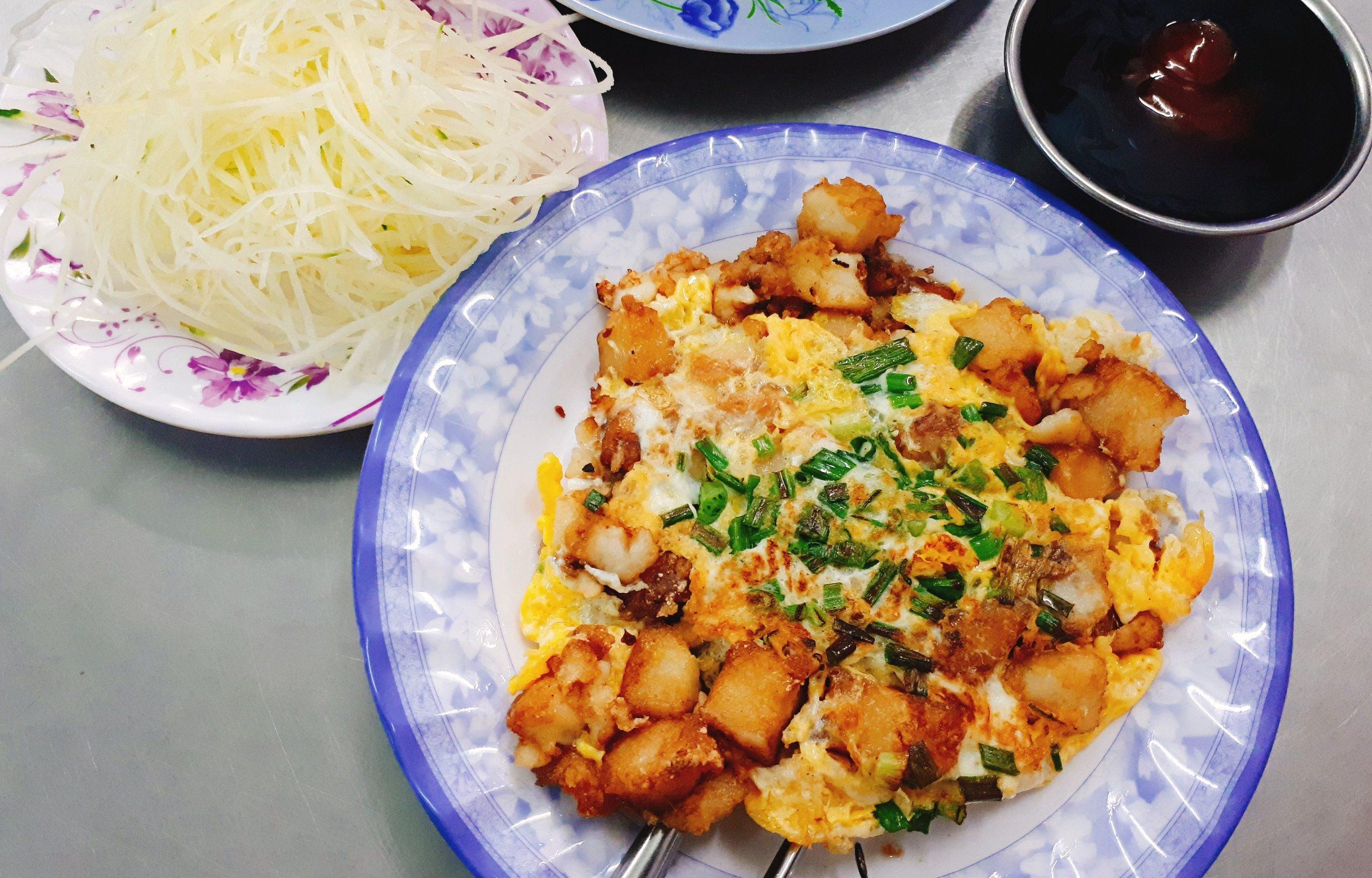 review Bột Chiên Đạt Thành, quán ăn đặc sản sài gòn