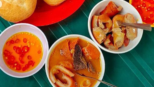 review Phá Lấu Cô Thảo, quán ăn đặc sản sài gòn