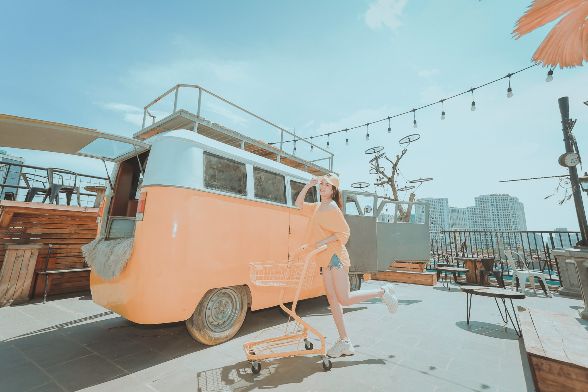 không gian Sam Rooftop Coffee 2