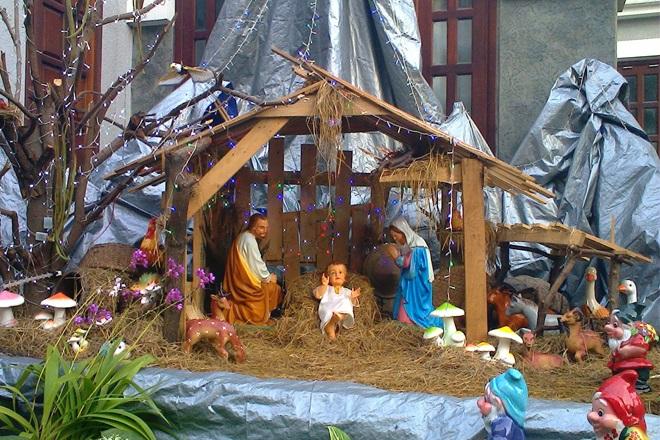 Hang đá Giáng Sinh tái hiện nơi chúa Jesus chào đời