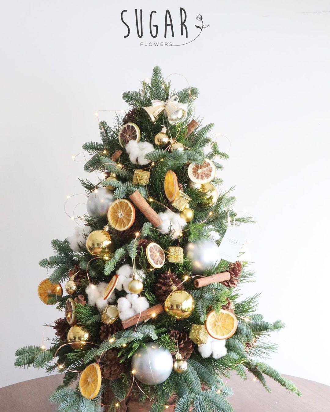 trang trí cây thông Noel 2019 5